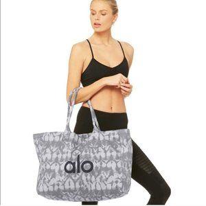 alo yoga tote bag